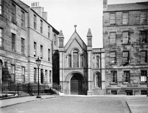 Graham Street Synagogue (corner of Keir Street) (Image courtesy of the Royal Commission on the Ancient and Historical Monuments of Scotland.)